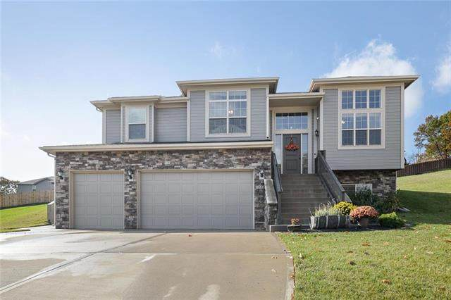 5052 Nw Timberline Drive, Riverside, MO 64155 (#2249731) :: Austin Home Team