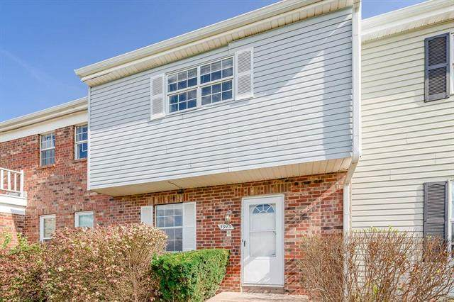5913 E 127TH Street, Grandview, MO 64030 (#2249744) :: House of Couse Group