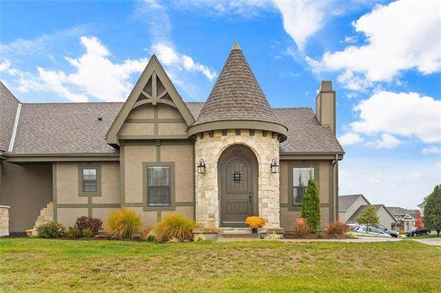 1200 SW Arborcrest Drive, Lee's Summit, MO 64082 (#2249757) :: House of Couse Group