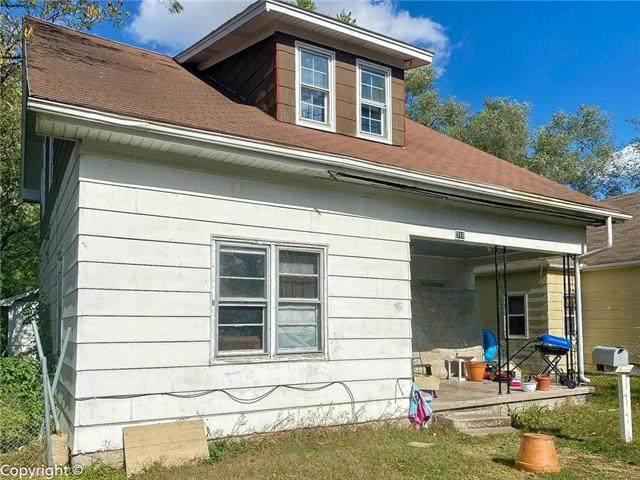 719 E 15th Street, Sedalia, MO 65301 (#2249781) :: House of Couse Group