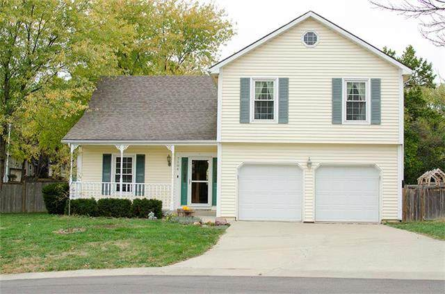 7104 Park Street, Shawnee, KS 66216 (#2249861) :: House of Couse Group