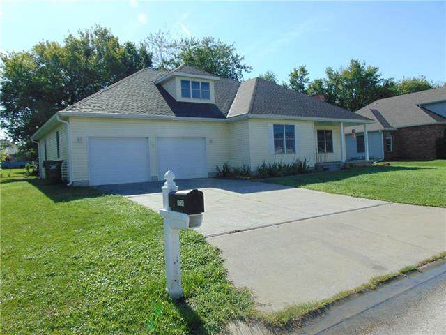 1714 Connor Lane, Clinton, MO 64735 (#2249900) :: Edie Waters Network