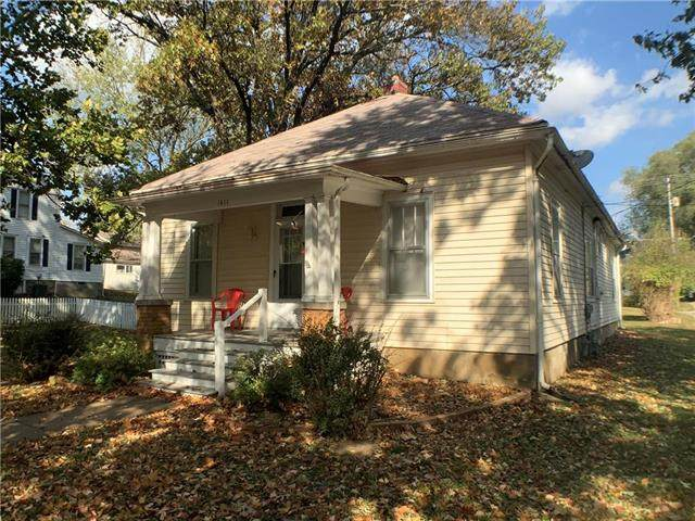 1411 Santa Fe Street, Atchison, KS 66002 (#2249944) :: Edie Waters Network