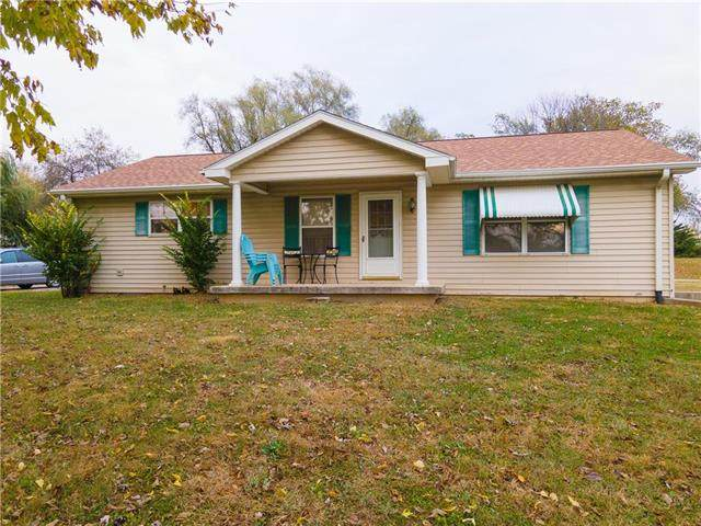3205 N Woodbine Road, St Joseph, MO 64506 (#2250026) :: Eric Craig Real Estate Team