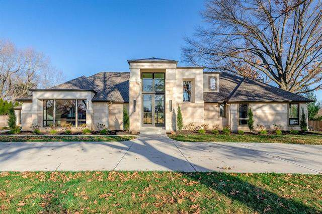 8501 Roe Avenue, Prairie Village, KS 66207 (#2250112) :: Ron Henderson & Associates