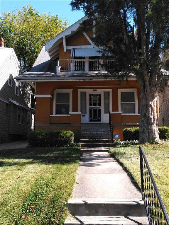 4133 Chestnut Avenue, Kansas City, MO 64130 (#2250187) :: The Gunselman Team