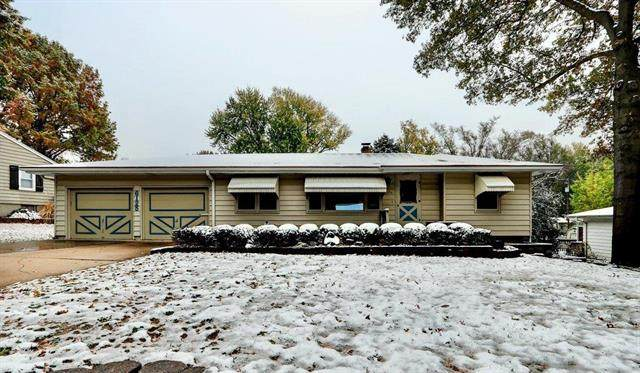 6125 Hedges Avenue, Raytown, MO 64133 (#2250236) :: Five-Star Homes