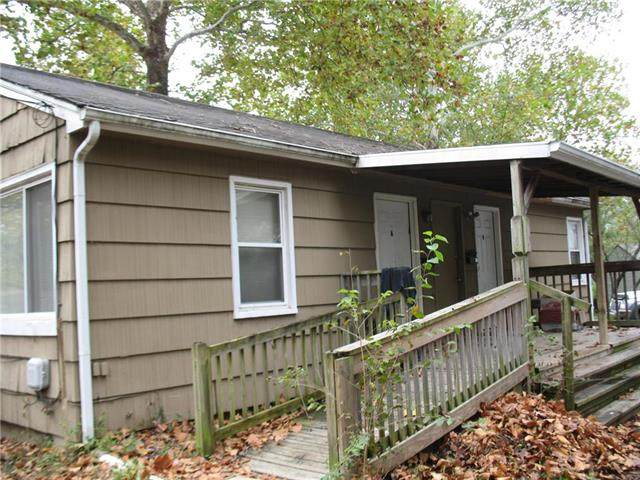 1921 S Ash Avenue, Independence, MO 64052 (#2250359) :: Audra Heller and Associates