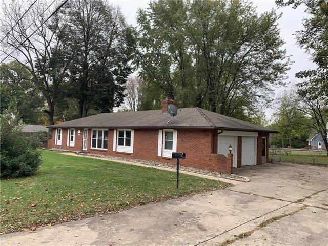 15811 E 25th Street, Independence, MO 64055 (#2250363) :: Audra Heller and Associates