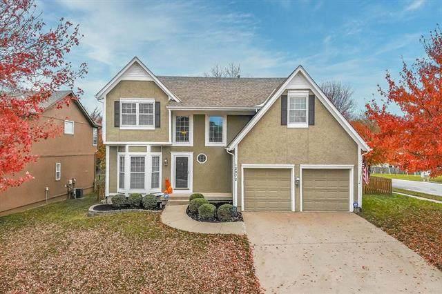 12972 S Summit Street, Olathe, KS 66062 (#2250374) :: Eric Craig Real Estate Team