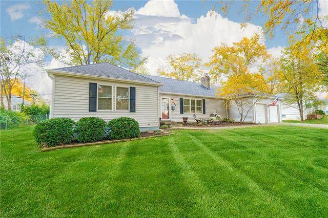 1008 W 97TH Street, Kansas City, MO 64114 (#2250421) :: House of Couse Group