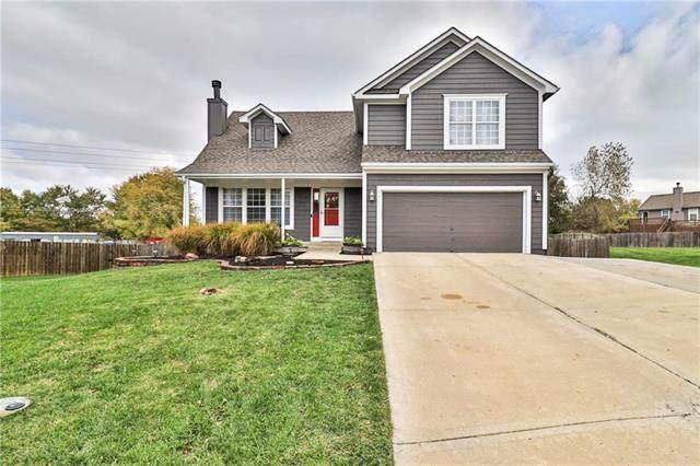 5527 Apache Court, Shawnee, KS 66226 (#2250463) :: House of Couse Group
