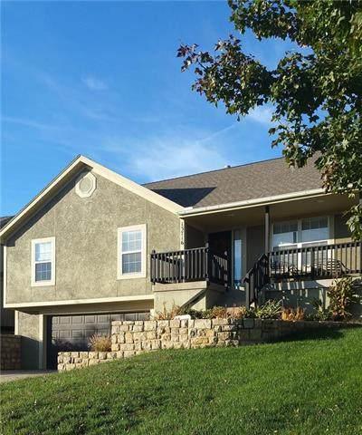 13716 Richland Avenue, Bonner Springs, KS 66012 (#2250483) :: Austin Home Team