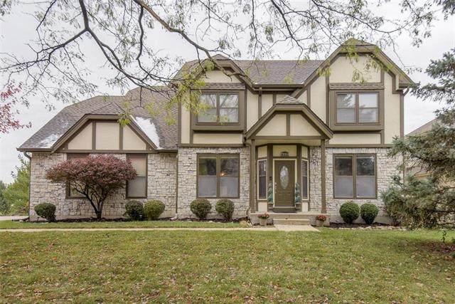 13004 W 121 Terrace, Overland Park, KS 66213 (#2250501) :: Eric Craig Real Estate Team
