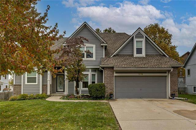 2312 SE 2nd Terrace, Lee's Summit, MO 64063 (#2250507) :: Eric Craig Real Estate Team