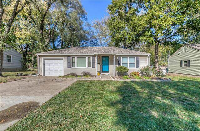 7622 W 66 Street, Overland Park, KS 66202 (#2250526) :: House of Couse Group