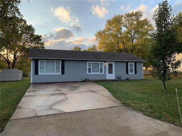 17126 Cerrito Drive, Belton, MO 64012 (#2250532) :: Eric Craig Real Estate Team