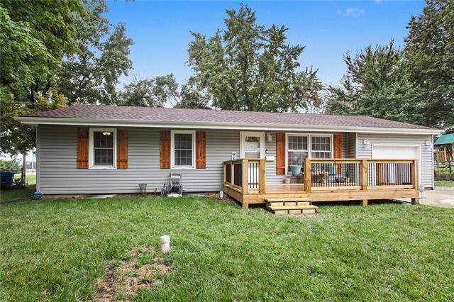 823 W Hurt Street, Liberty, MO 64068 (#2250540) :: House of Couse Group