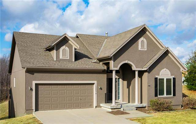 12414 S Sagebrush Drive, Olathe, KS 66061 (#2250589) :: Eric Craig Real Estate Team
