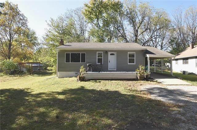 4136 N Monroe Avenue, Kansas City, MO 64117 (#2250605) :: Eric Craig Real Estate Team