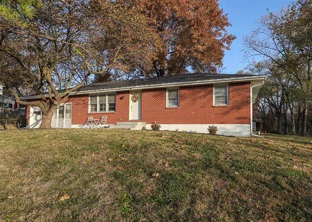 404 5th Street, Smithville, MO 64089 (#2250619) :: The Shannon Lyon Group - ReeceNichols