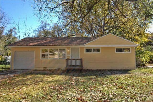 11119 Bristol Terrace, Kansas City, MO 64134 (#2250682) :: The Kedish Group at Keller Williams Realty