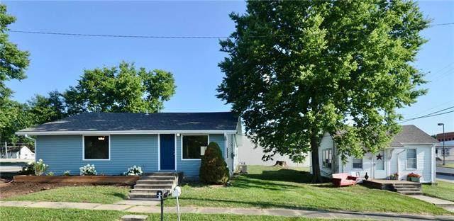 401 S 1st Street, Louisburg, KS 66053 (#2250704) :: Edie Waters Network