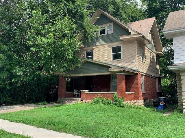 3006 E 32nd Street, Kansas City, MO 64128 (#2250852) :: House of Couse Group