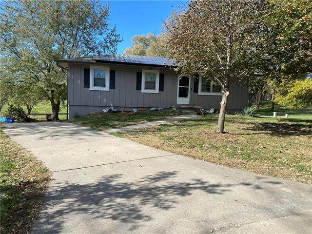 400 E Maple Street, Savannah, MO 64485 (#2250985) :: Edie Waters Network