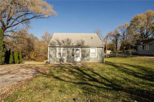 1400 E Hayward Avenue, Independence, MO 64050 (#2251000) :: House of Couse Group
