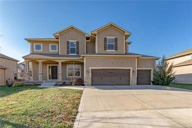 8809 SW 4TH Street, Lee's Summit, MO 64064 (#2251037) :: House of Couse Group