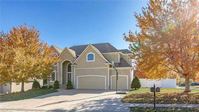 1702 NE Kestral Drive, Blue Springs, MO 64014 (#2251087) :: House of Couse Group