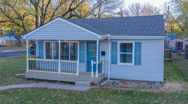 1125 E Park Street, Olathe, KS 66061 (#2251099) :: House of Couse Group