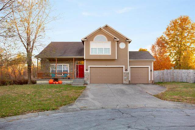 622 Roanke Drive, Raymore, MO 64083 (#2251113) :: The Gunselman Team