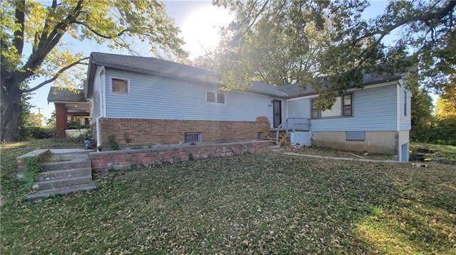 3603 E 57th Street, Kansas City, MO 64130 (#2251116) :: Eric Craig Real Estate Team