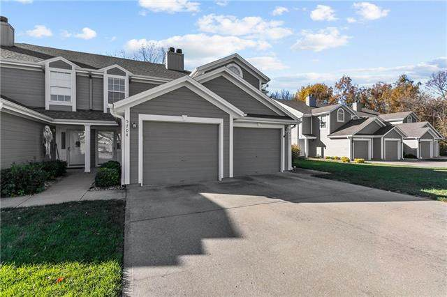 5704 NW Sunrise Meadow Circle 54C, Lee's Summit, MO 64064 (#2251162) :: House of Couse Group
