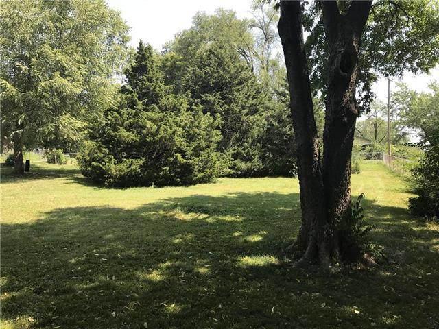Hadley Street, Overland Park, KS 66203 (#2251207) :: Five-Star Homes