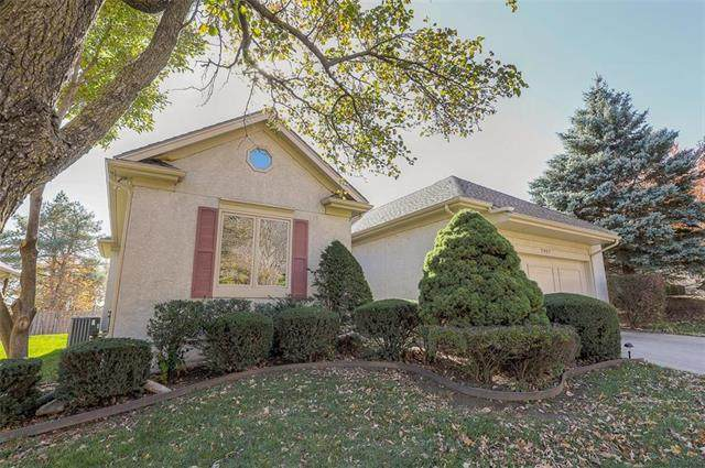 7907 W 118TH Place, Overland Park, KS 66210 (#2251235) :: The Shannon Lyon Group - ReeceNichols