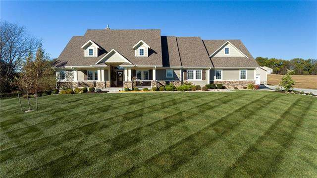 12004 S Eagle Crest Drive, Lee's Summit, MO 64086 (#2251300) :: Audra Heller and Associates