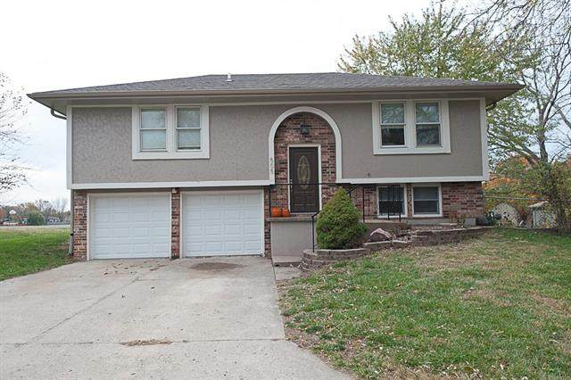 505 S 5th Terrace, Odessa, MO 64076 (#2251351) :: House of Couse Group