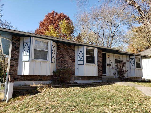 13214 Lowell Avenue, Grandview, MO 64030 (#2251367) :: House of Couse Group