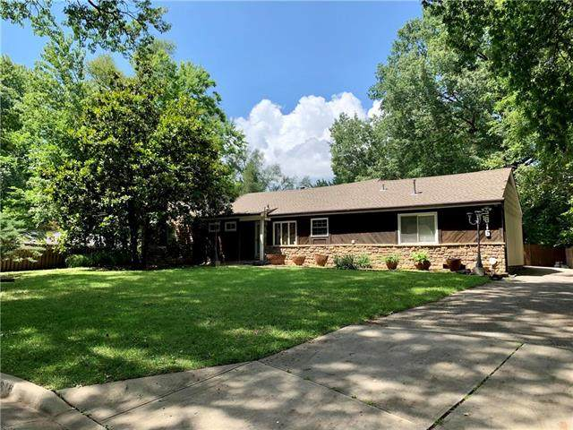 2816 W 90th Street, Leawood, KS 66206 (#2251503) :: Edie Waters Network
