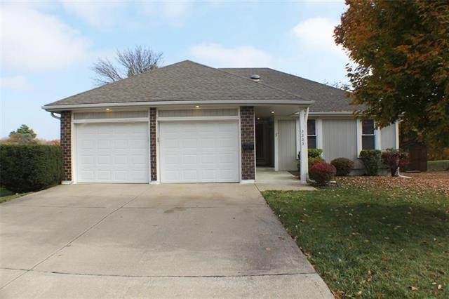 3303 NW Shannon Court, Blue Springs, MO 64015 (#2251571) :: House of Couse Group