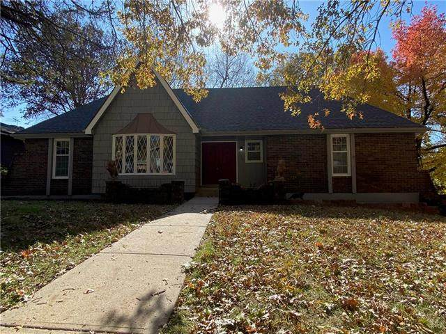 11109 E 48th Terrace, Kansas City, MO 64133 (#2251594) :: Edie Waters Network