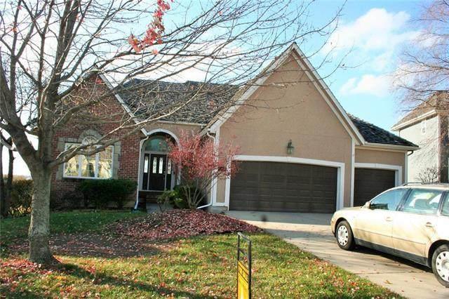 11448 Wilder Street, Olathe, KS 66061 (#2251639) :: The Shannon Lyon Group - ReeceNichols