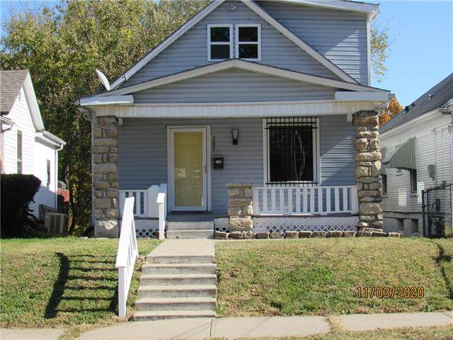307 N Jackson Avenue, Kansas City, MO 64123 (#2251647) :: House of Couse Group