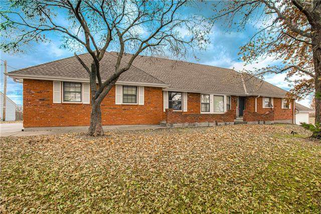 4300 NE 92nd Street, Kansas City, MO 64156 (#2251746) :: House of Couse Group