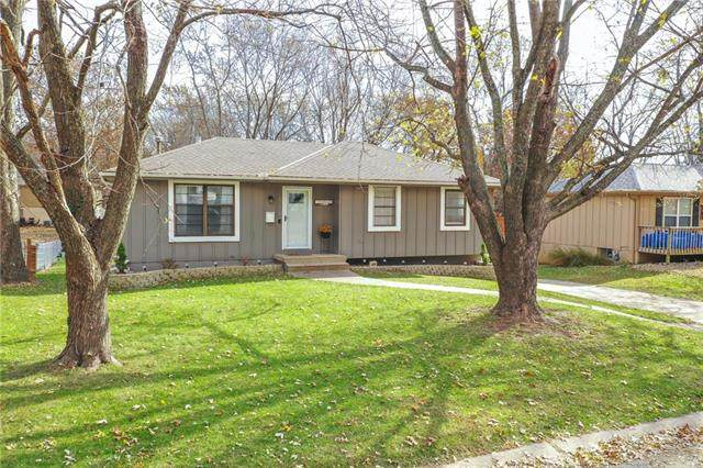506 SW 24th Street, Blue Springs, MO 64015 (#2251773) :: The Shannon Lyon Group - ReeceNichols