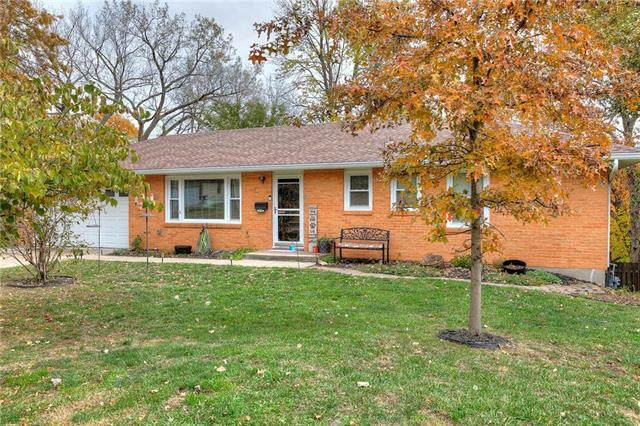 7003 N Central Street, Gladstone, MO 64118 (#2251778) :: House of Couse Group