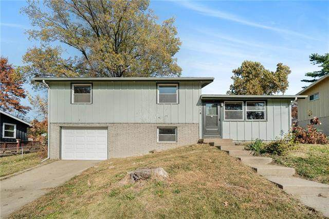 1114 NE 52nd Place, Kansas City, MO 64118 (#2251810) :: House of Couse Group